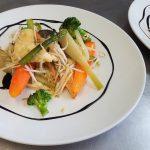 saumon sauce ciboulette et légumes